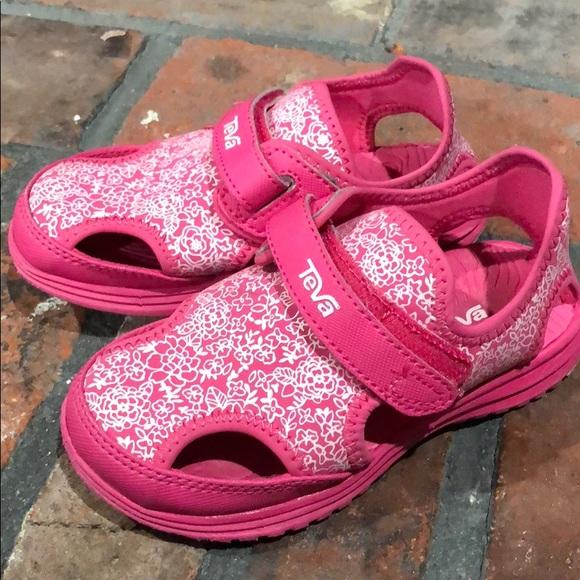 f5f852b4f63 Select Size to Continue. M 5af598282c705d5b0e95b69e. 10 (Toddler Girl)